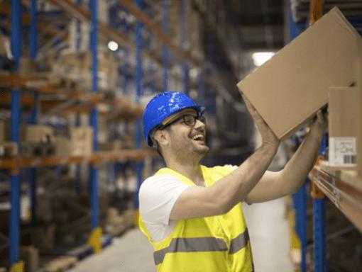 Mercado de galpões logísticos cresceu 134% em 2020. Fonte: Freepik